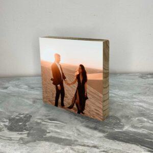 """תמונה על בלוק מעץ בגודל 20X20 ס""""מ"""